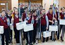 Школы Клецкого района получили в подарок около 100 лыжных комплектов
