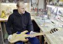 Уроженец Клецка открыл мастерскую по изготовлению гитар и продает их по всему миру