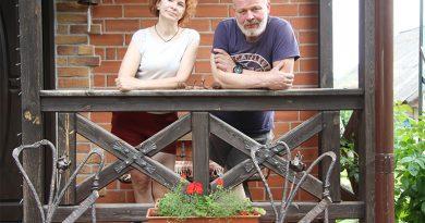 Клетчанин сделал всю мебель в доме и продает свои работы из металла коллекционерам из Европы
